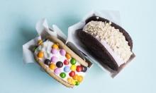 50 % rabat på 2 x lækker ice cream sandwich hos nyåbnede Munchies på Christianshavn – Über cool ice cream shop byder på hjemmelavet is i soft baked cookies, toppet med Oreo's, marshmallows, M&M's m.m.