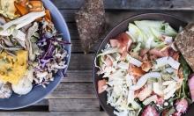 52 % rabat på 2 x stor luksus salat + 2 x øko-saft/vand hos Flax & Beets ved Nyhavn – Gourmet-grønthandler byder på byens lækreste øko-salater toppet med bagt græskar, rødbedehumus, chilidip, avocado m.m.
