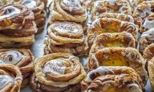 50 % rabat på alt hos populære Nordisk Brød – Tidligere bagerchef fra Emmerys & Meyers byder på lækre æbletærter, tebirkes med marcipanfyld, kanelsnurrer, træstammer, smørbagte croissanter, rugbrød, chokoladekager m.m.