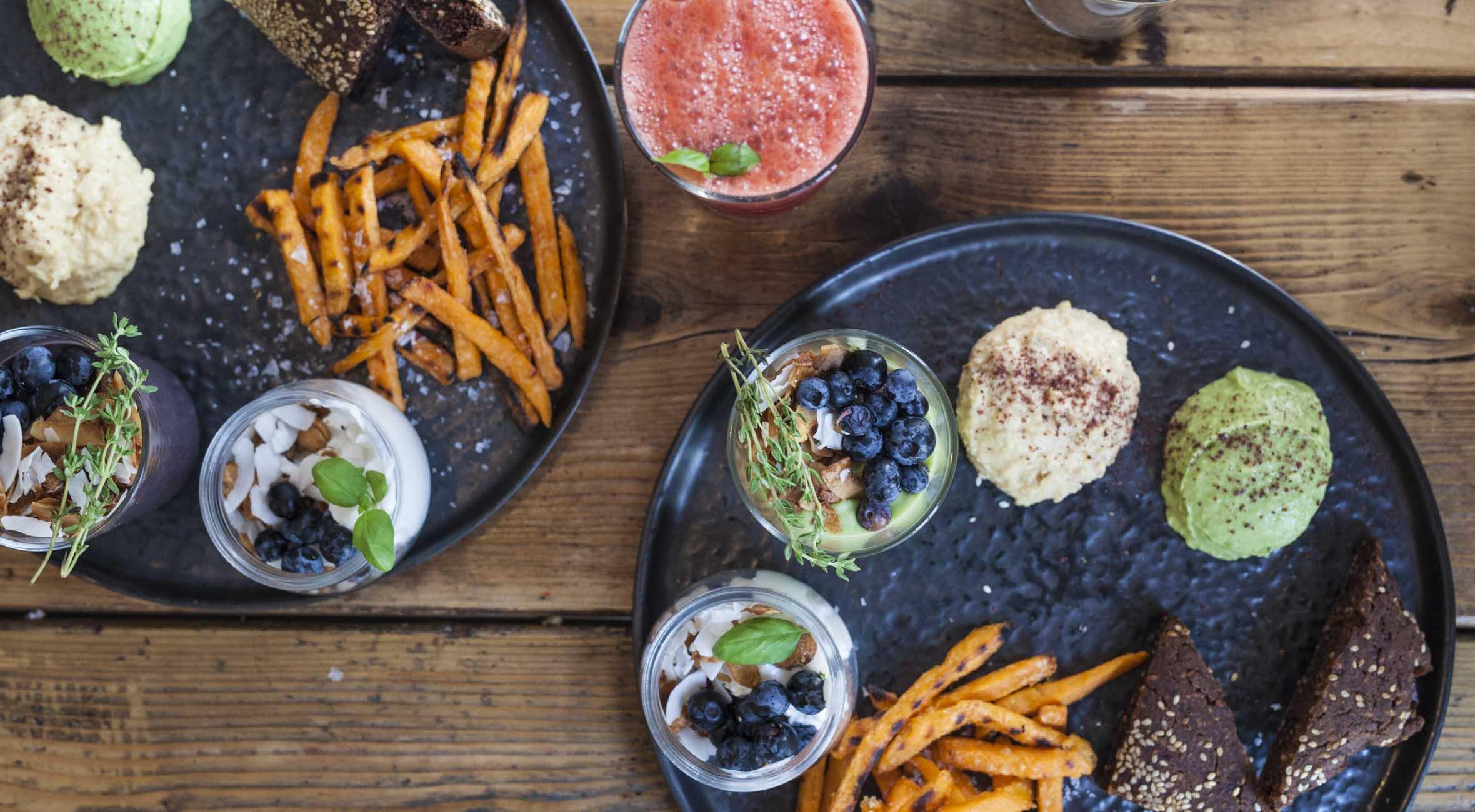 2 x vegansk brunch hos Hope – Få anmelderrost brunch serveret i solskin og dagligstuehygge i én af byens hippeste caféer