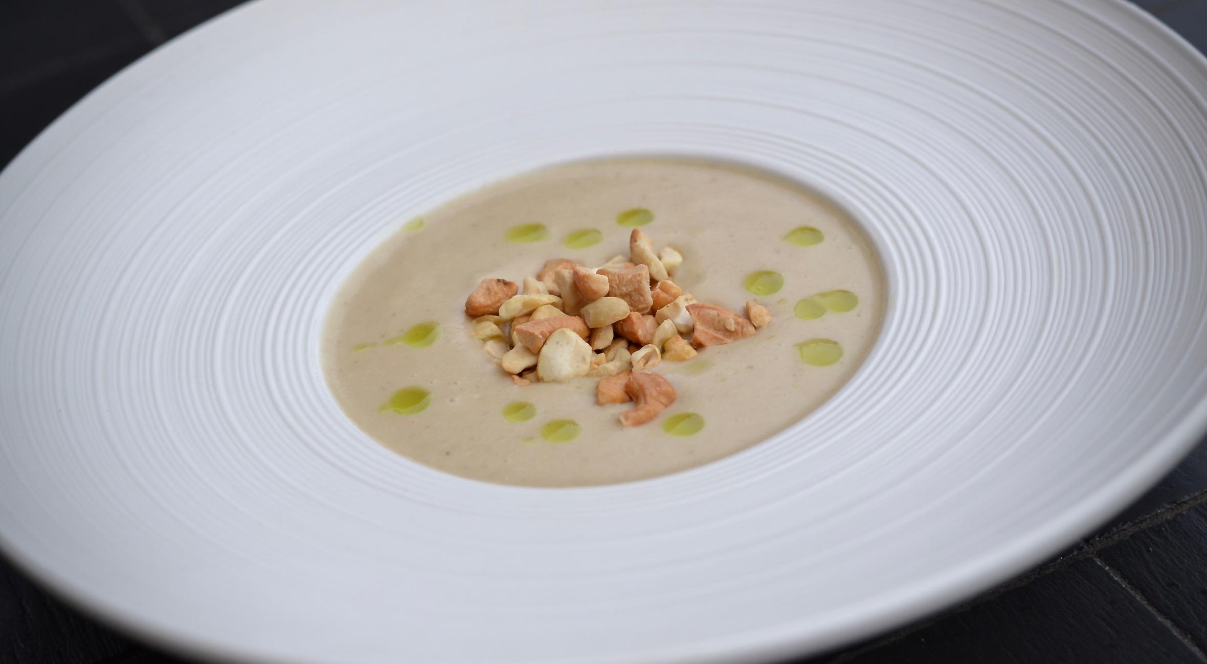 4-retters gourmet-middag hos Restaurant Aristo – Få cremet jordskokkesuppe, sortfodsskinke ...