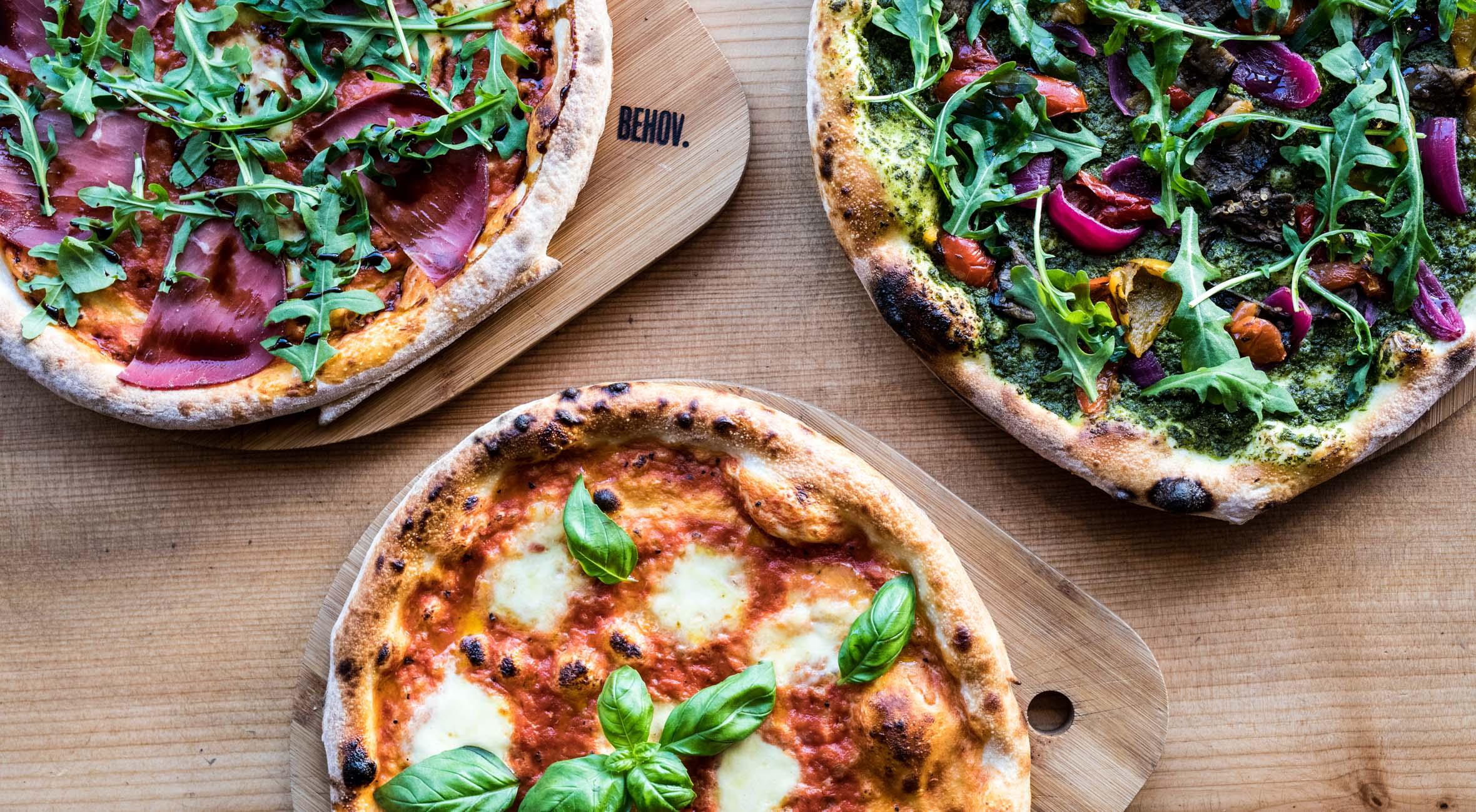 2 valgfrie pizzaer hos Behov – Hip pizzabar udvider til Vesterbro og fremhæves af 'den alternative Michelin-guide'