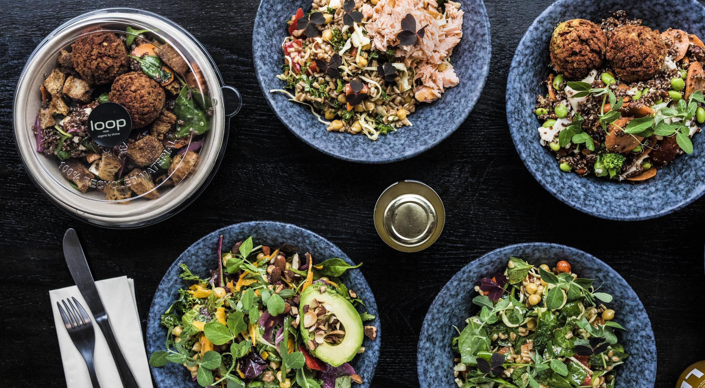 2 store salater + 2 drikke hos Loop Food – Økologisk salatbar og take away har slået dørene op på Frederiksberg
