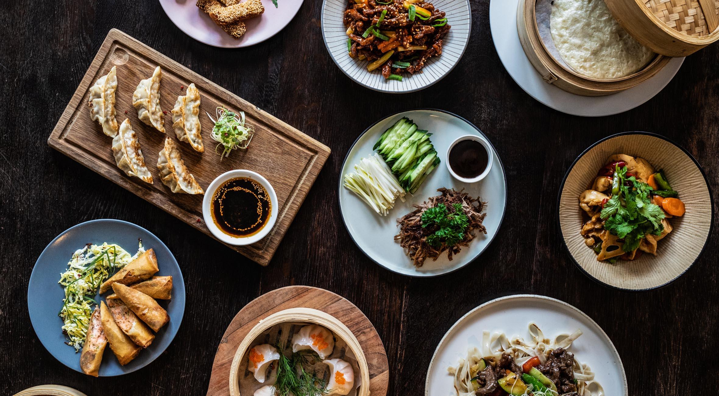 Frit valg til alt hos H Table i Indre By – Hypet kineser-restaurant byder på alt fra peking-and og dumplings til bao, forårsruller og okse i sur-sød sauce