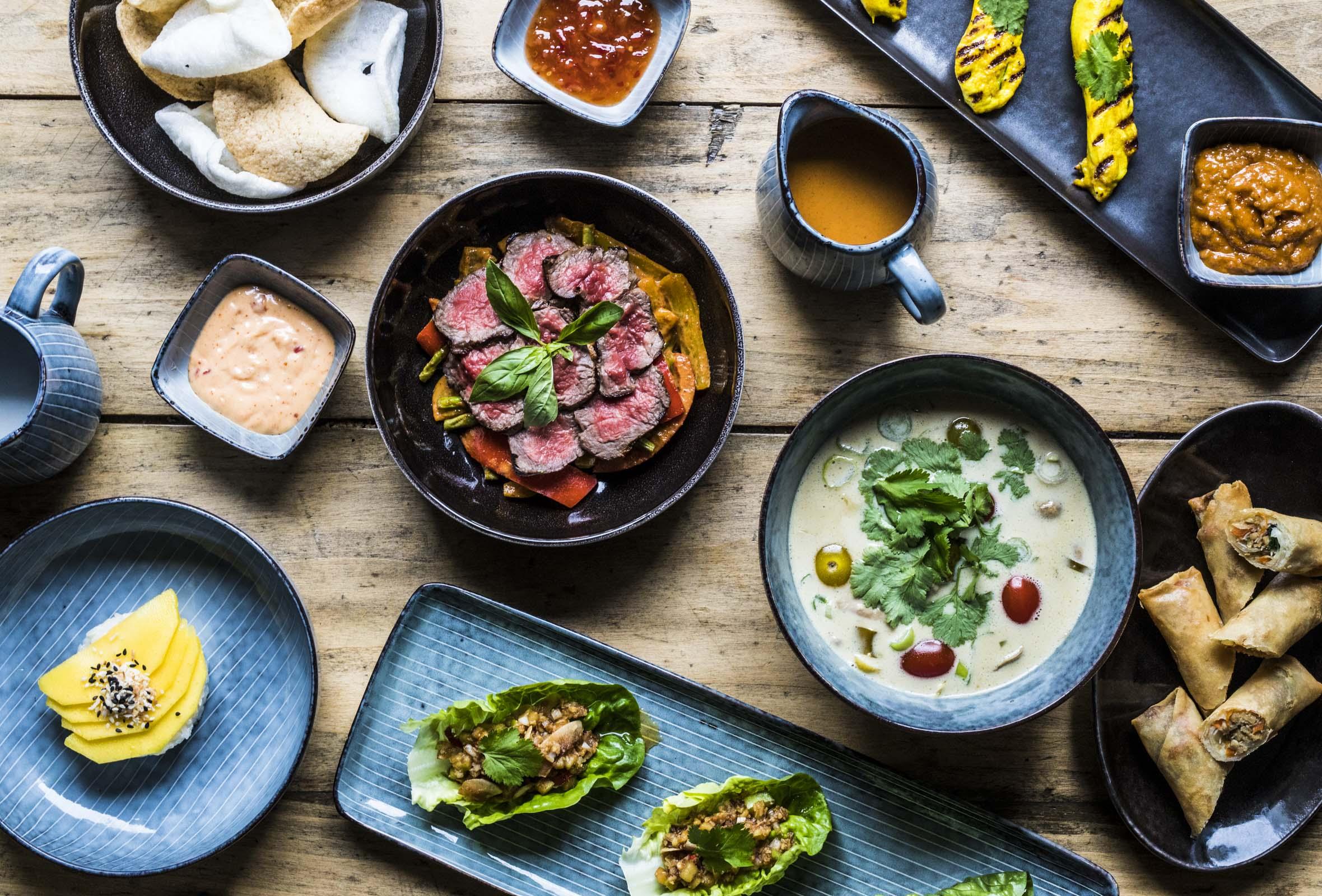8 serveringer hos Lolly i Indre By – Ny restaurant byder på overdådige thai-retter, cocktails og bløde vibes