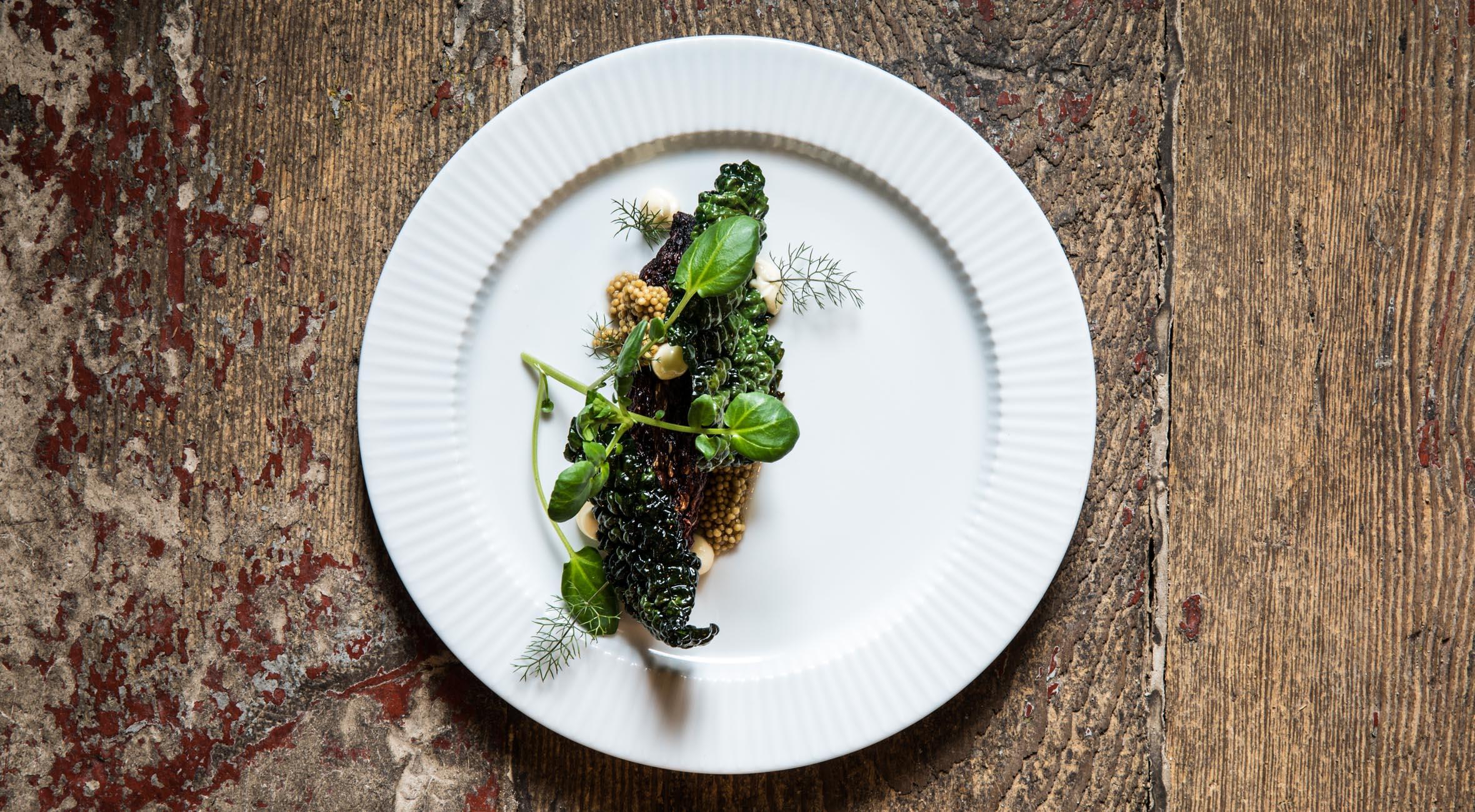 3-retters menu hos Michelin-anbefalede 56 grader – Smag nordiske gourmetretter i fantastiske omgivelser på Holmen