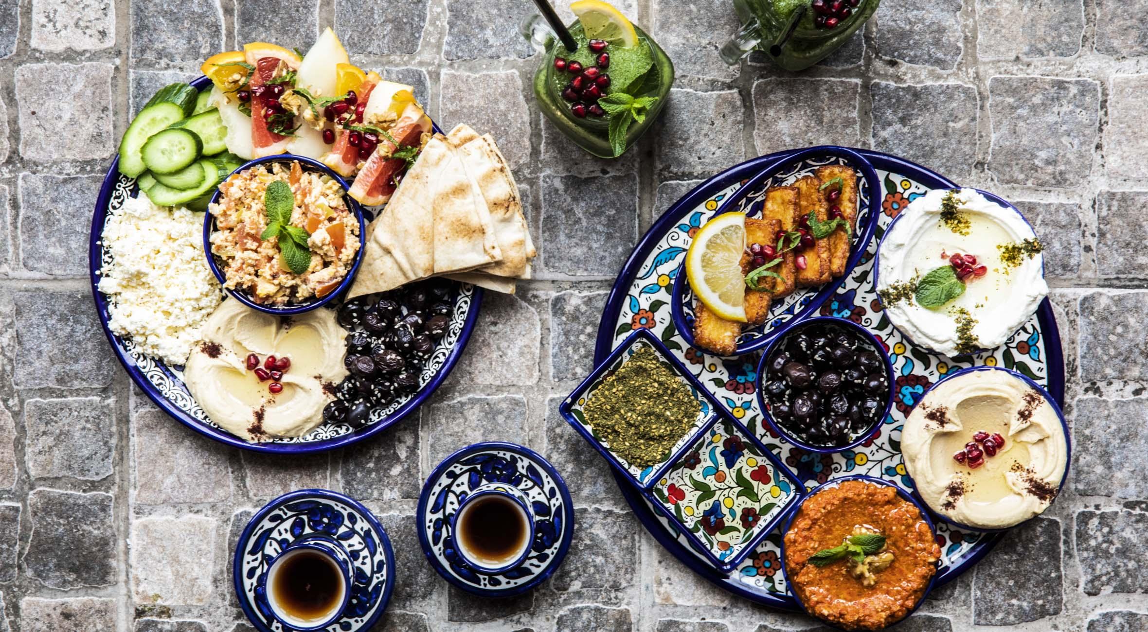 Brunch med lemonade og te for 2 personer hos Mahalle – Ultrapopulære kokke indtager Nørrebrogade med brunch-specialiteter fra Mellemøsten