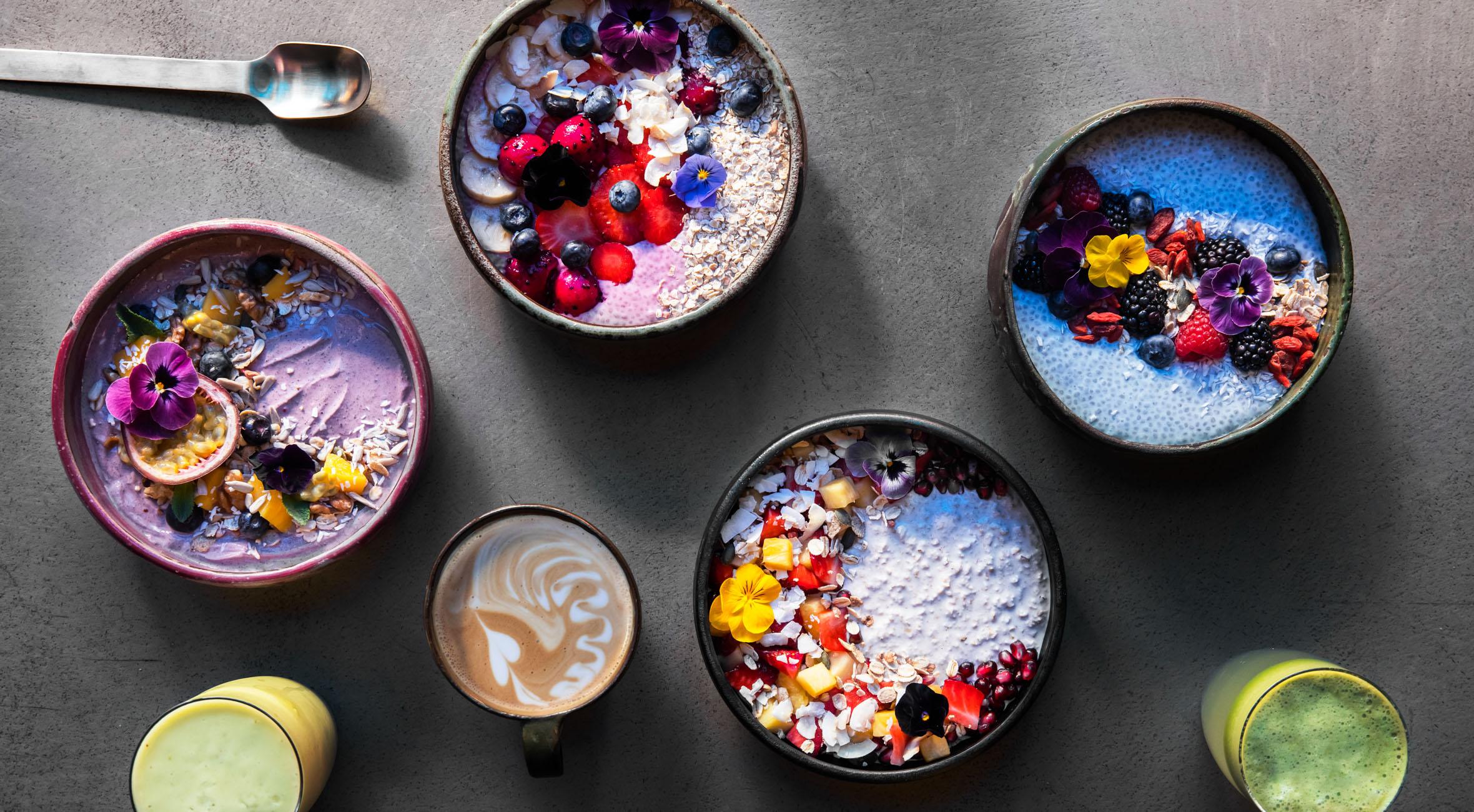 2 breakfast bowls + 2 kaffe / juice hos MyPoké på Østerbro – Nyd smoothie bowls, chia bowls og overnight oats