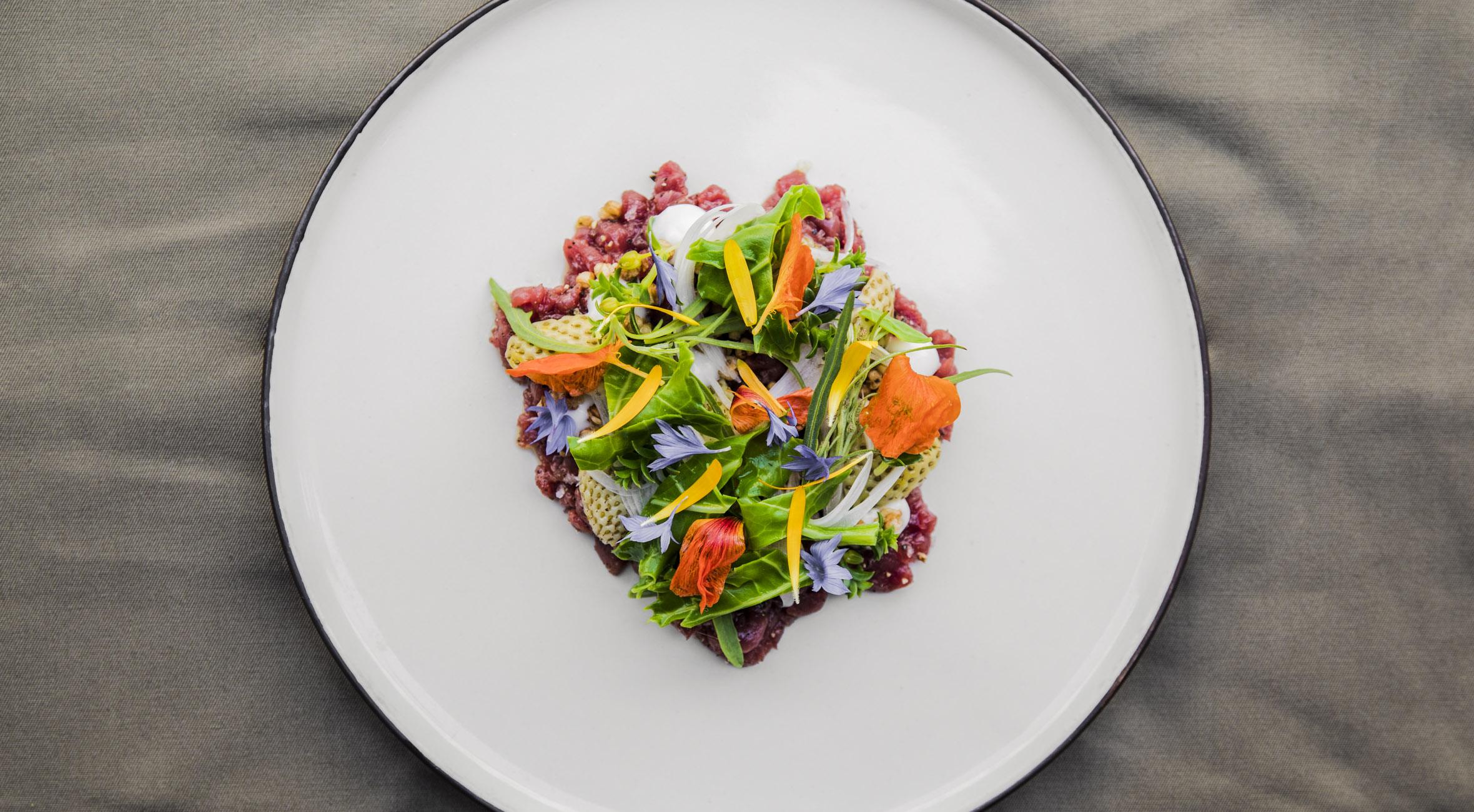 4-retters menu hos Restaurant Wilhelm i Indre By – Topanmeldt jord-til-bord restaurant tager smagen af skoven til byen