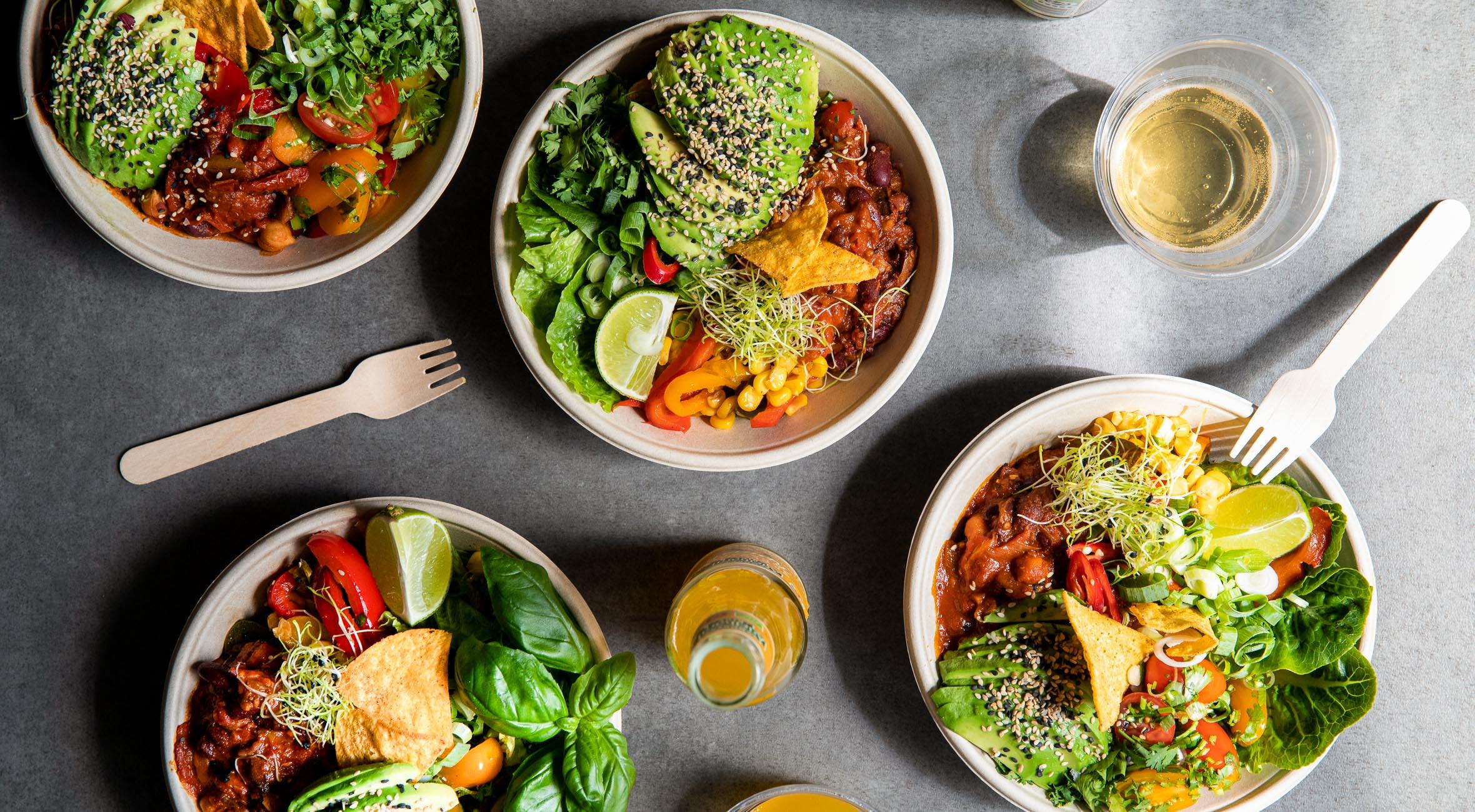 2 bowls + 2 økologiske sodavand hos Hope Organic i Boltens Food Court – Grønt gourmetkøkken har indtaget nyt madmarked med vilde veganske bowls
