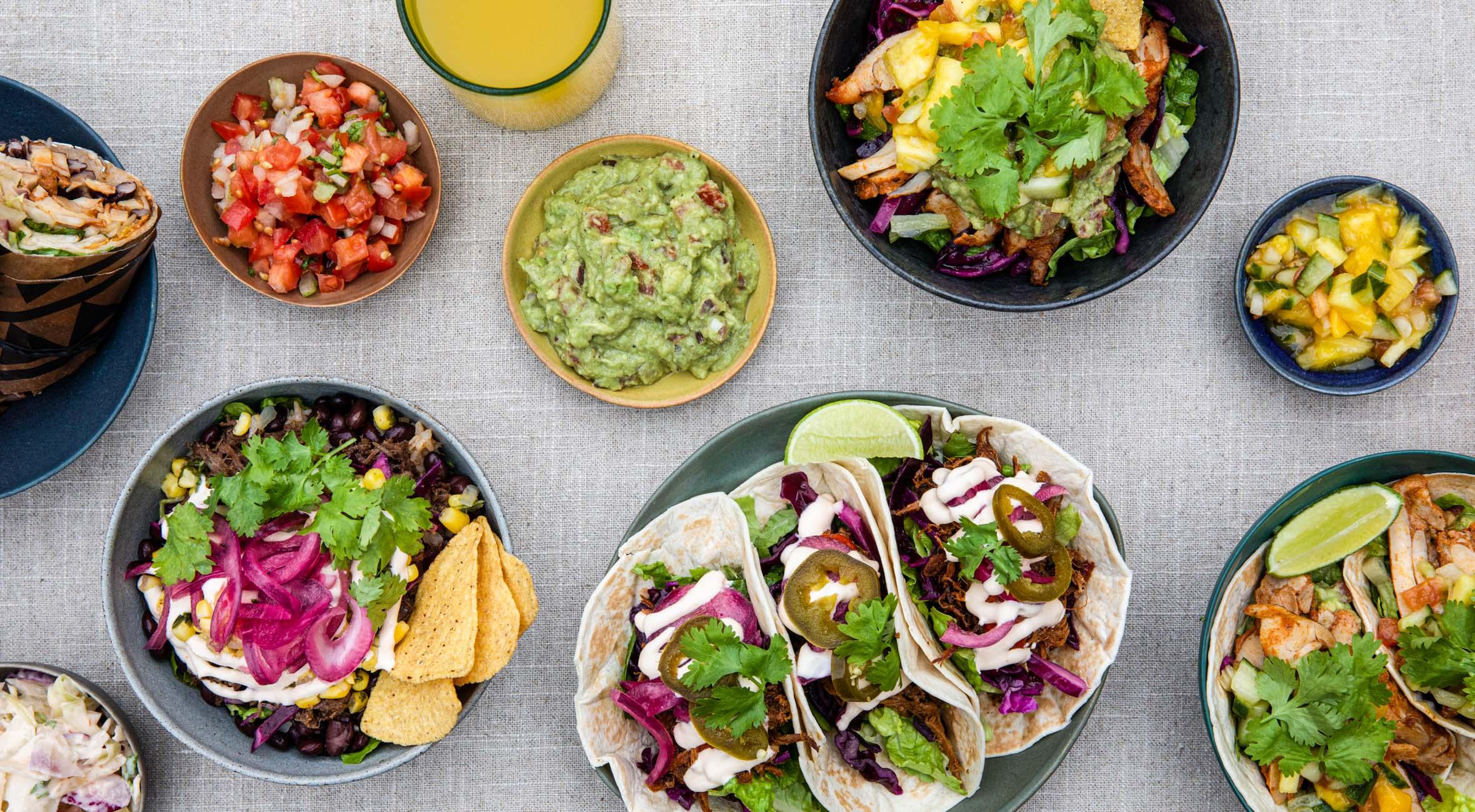 Mexican feast & drikke for 2 personer hos Zócalo i Tivoli Food Hall – Invitér venner & veninder på alt fra tacos til burritos og mexi-bowls