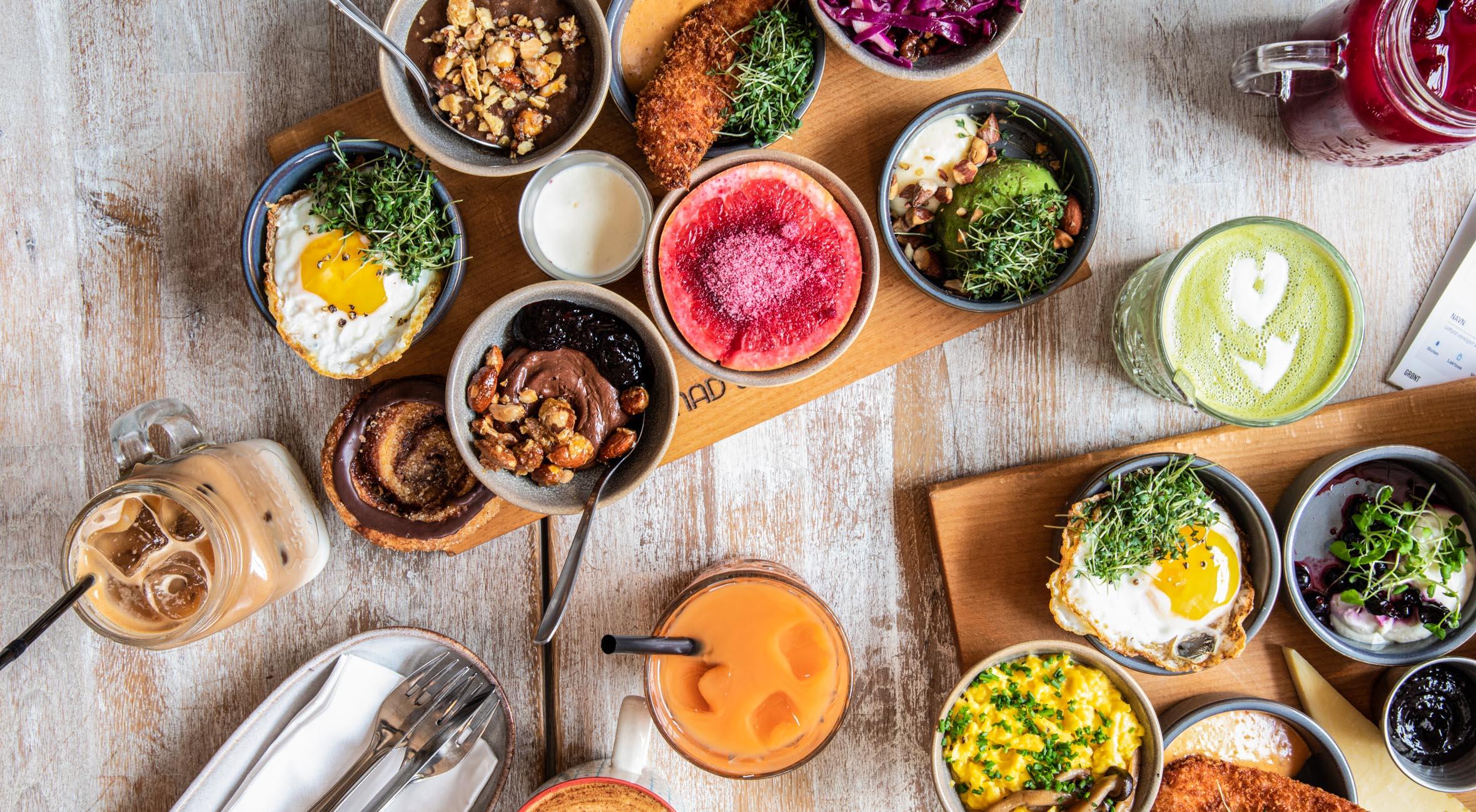 7-retters brunch for 2 personer hos Mad & Kaffe – Byens hippeste brunch-café stormer frem på Vesterbro, Amager og Frederiksberg