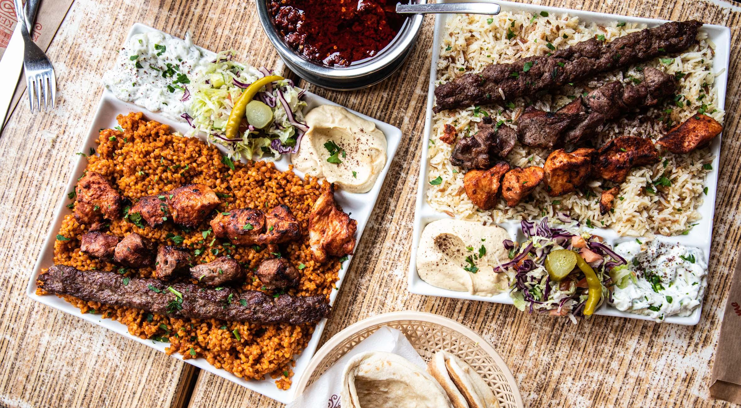 2 mix kebab ret + 2 sodavand hos populære Kösk Kebab – Lad dig forføre af Mellemøstens formidable køkken