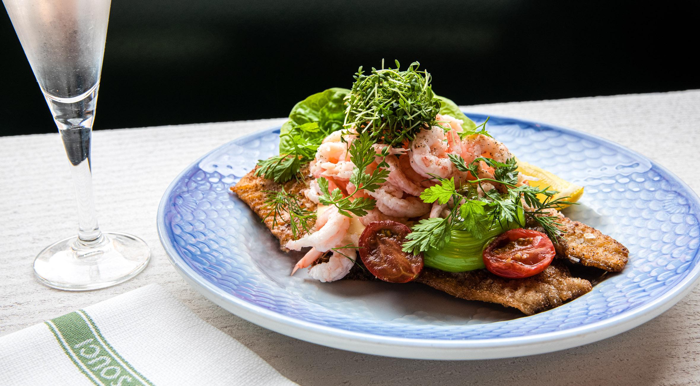 2 stk. smørrebrød hos Sans Souci på Frederiksberg – Én af landets ældste restauranter byder på smørrebrød i historiske omgivelser