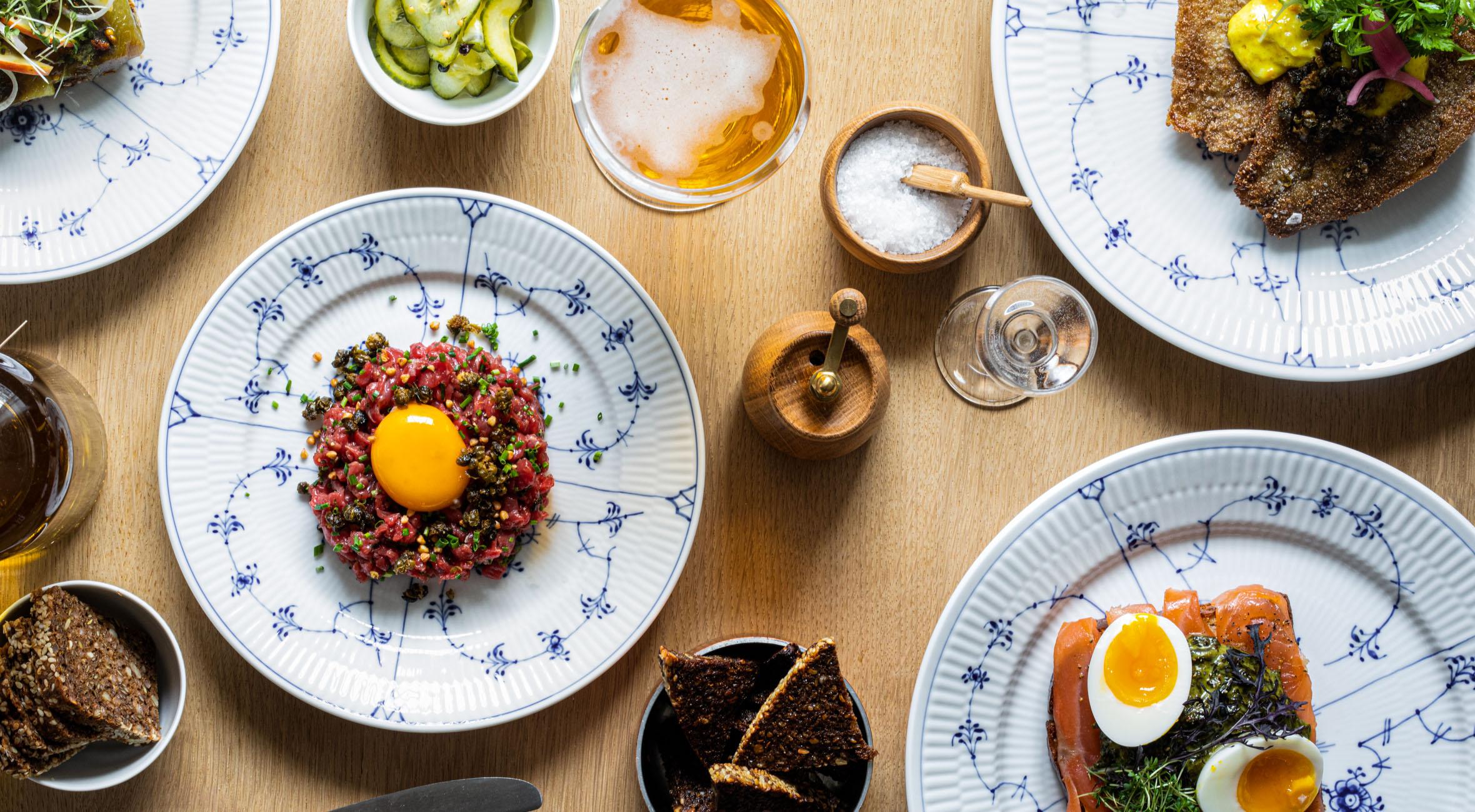 Frit valg til alt på smørrebrødskortet hos Restaurant Frihavn – Ny smørrebrødsrestaurant er åbnet i historisk bindingsværkshus