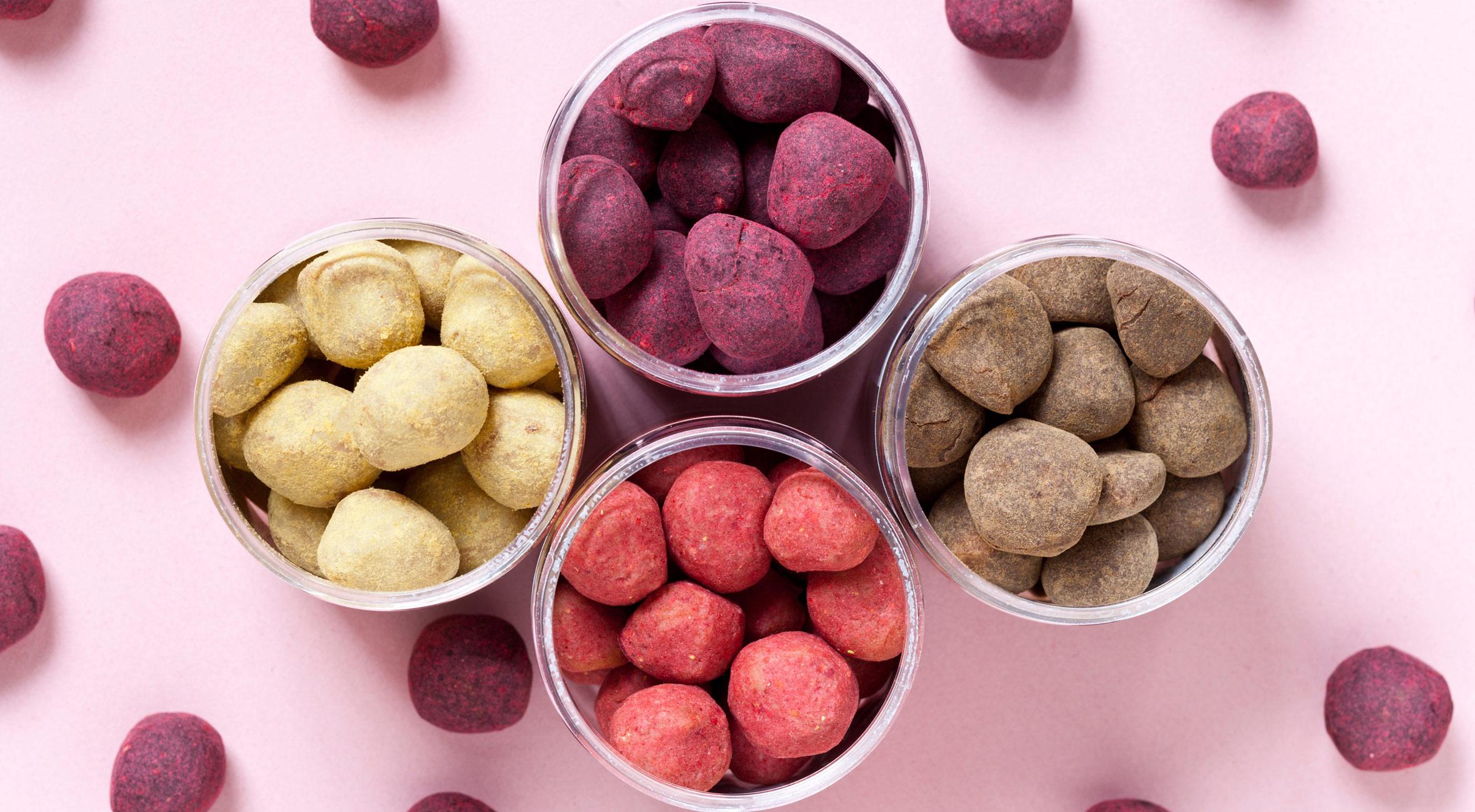 Frit valg til alt hos Karamelleriet i Jægersborggade – Få alt fra chokoladekarameller med lakrids til saltkaramel og vaniljefudge med passionsfrugt & hvid chokolade