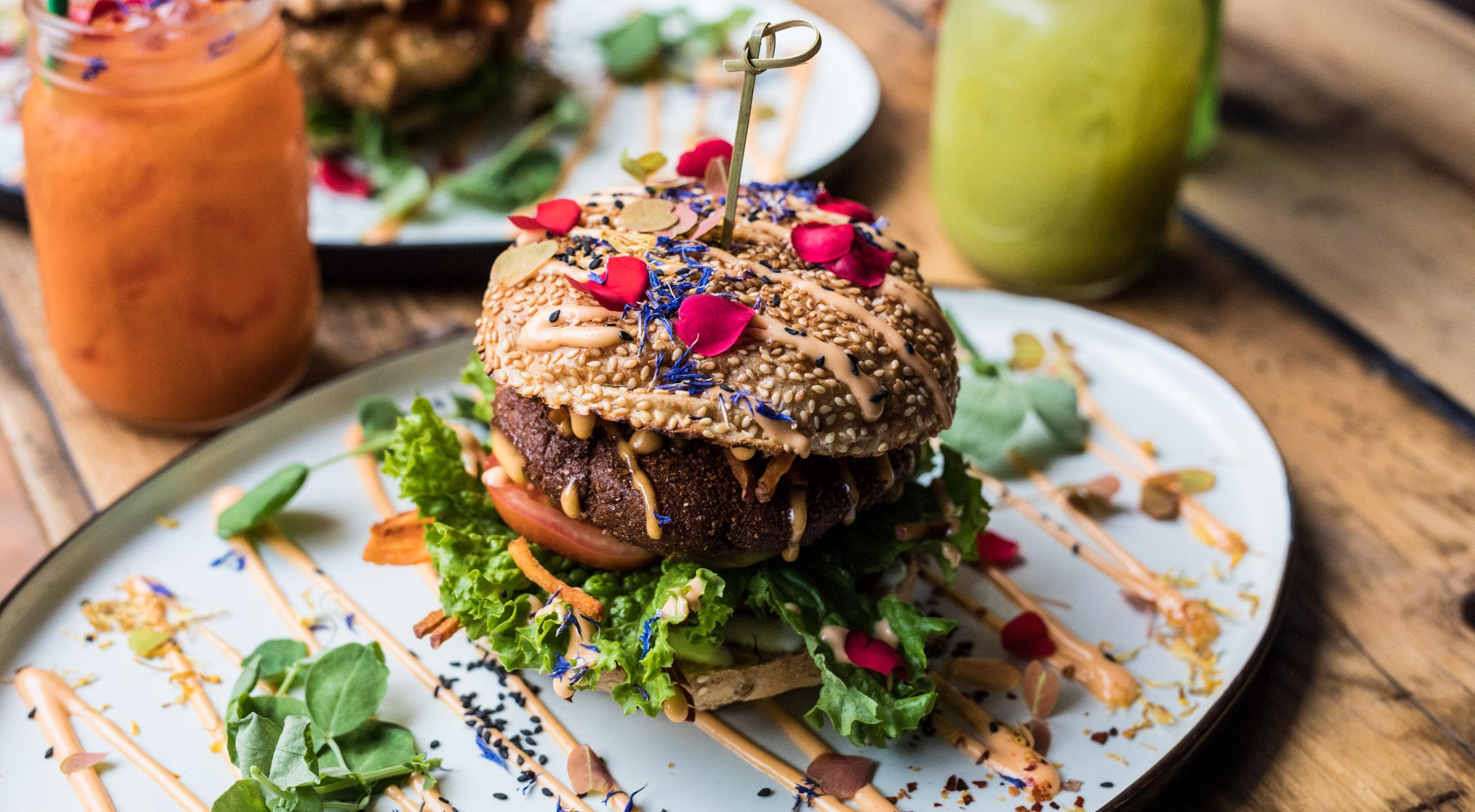 Frit valg til alt hos The Organic Boho på Østerbro og Christianshavn – Veganske hitmagere byder på acai bowls, falafel-burgere, raw cakes og superfood wraps