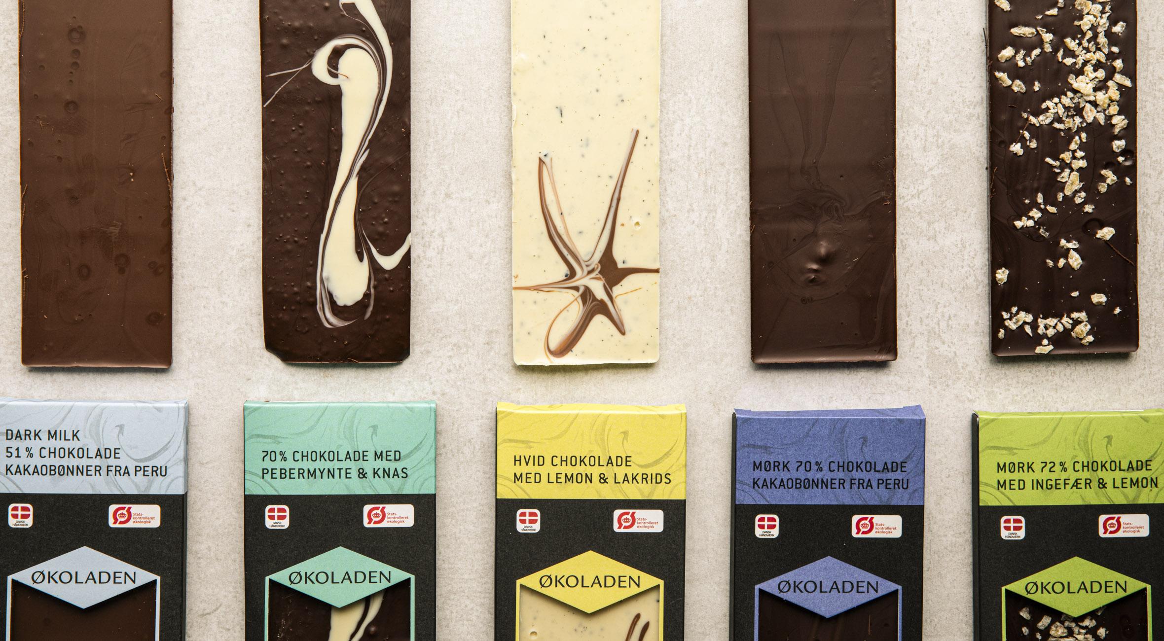 Frit valg til alt i Økoladen & Elmelund Chocolatiers webshop – Forkæl dig selv og andre med chokolade i verdensklasse! Du får gratis levering til pakkeshop