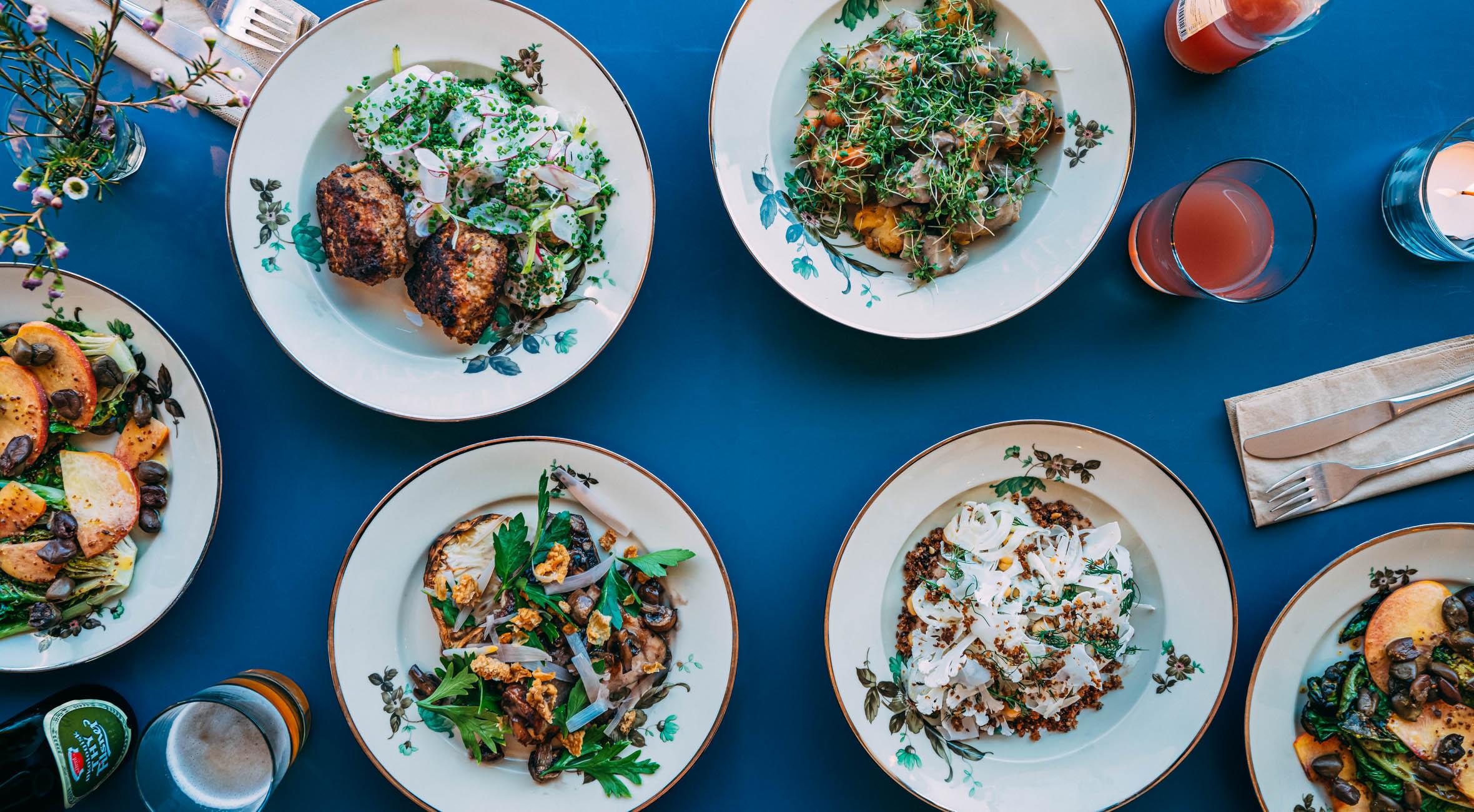 2 hovedretter + salat og 2 drikke hos Madro på Nørrebro – Ny spisebar & take away laver seriøst god hjemmelavet mad