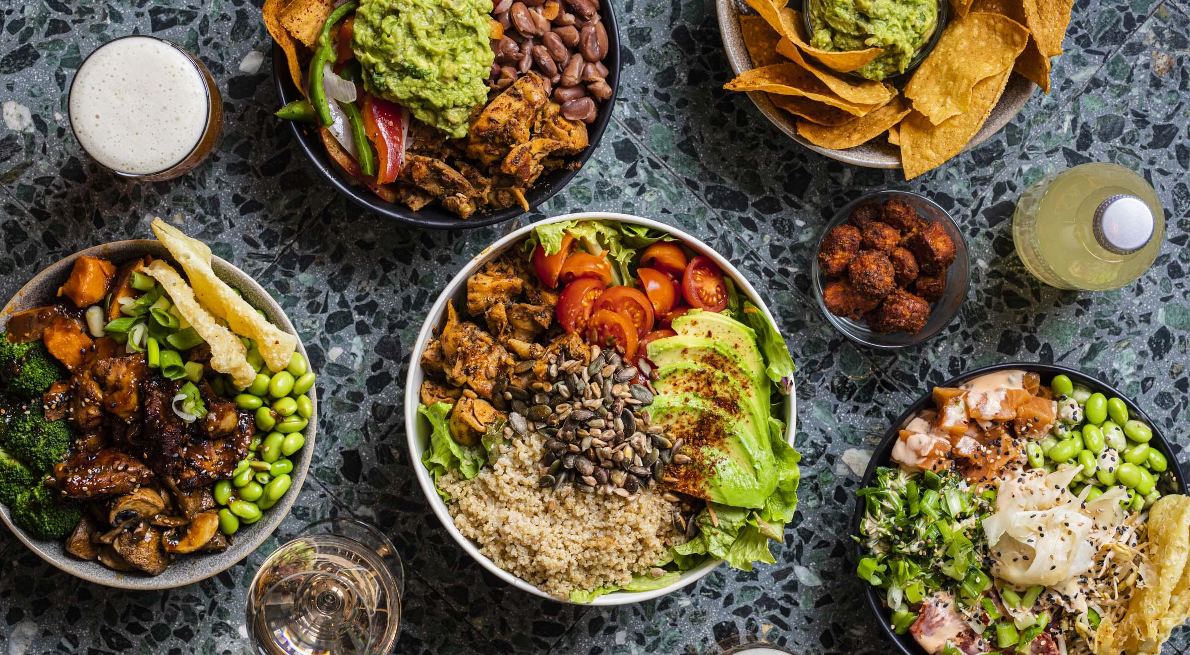 2 bowls + 2 drikke hos California Kitchen på Nørrebro, Vesterbro og i Indre By – Invitér venner & veninder på alt fra MexiCali til Poké Bowls og San Diego Salads