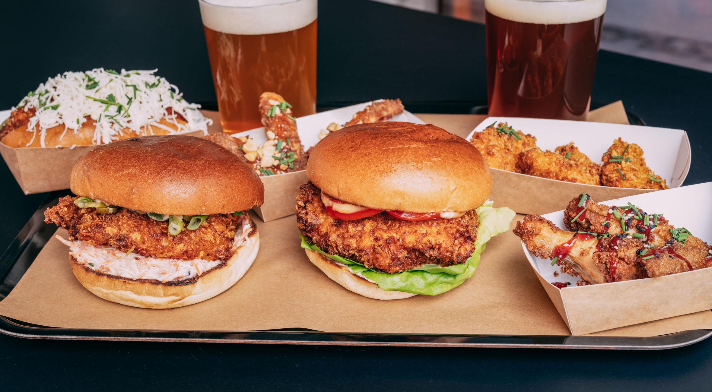 Frit valg til alt hos Crisp på Nørrebro – Nyåbnet fried chicken bar byder på alt fra burgere til nuggets, wings, truffle dogs og fries