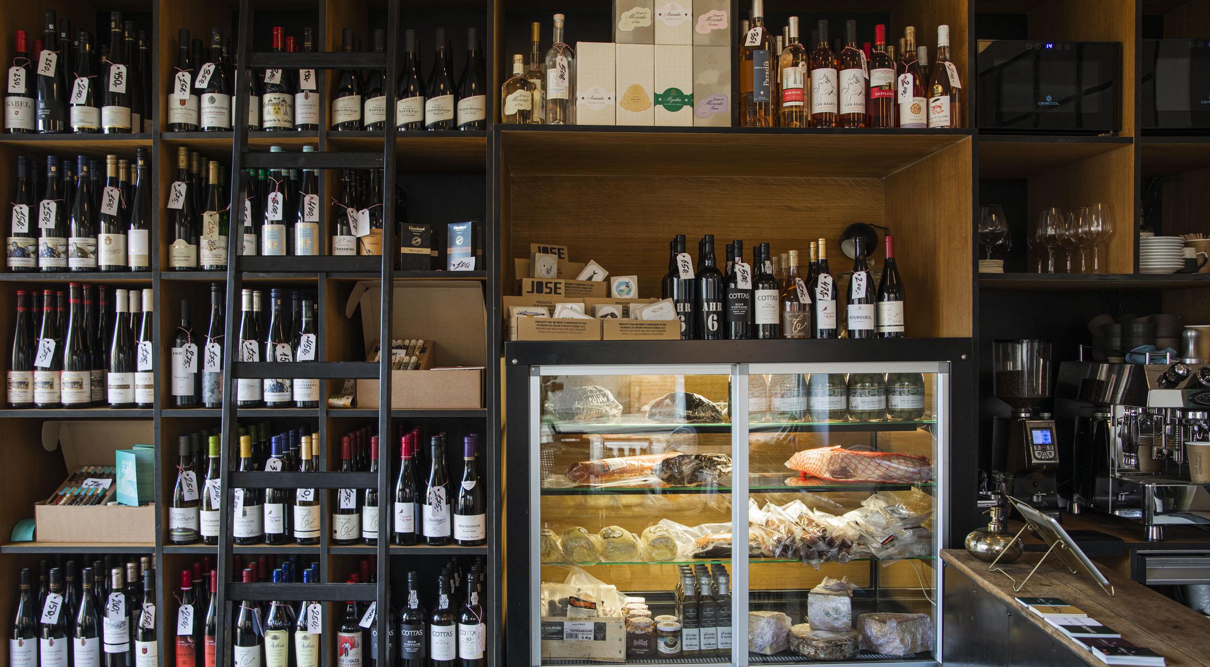 Frit valg til alt hos Salon 39 Vinbar & Butik – Tidligere Noma-kok har åbnet vinbutik på Frederiksberg! Køb vin, spiritus, ost og charcuteri med hjem