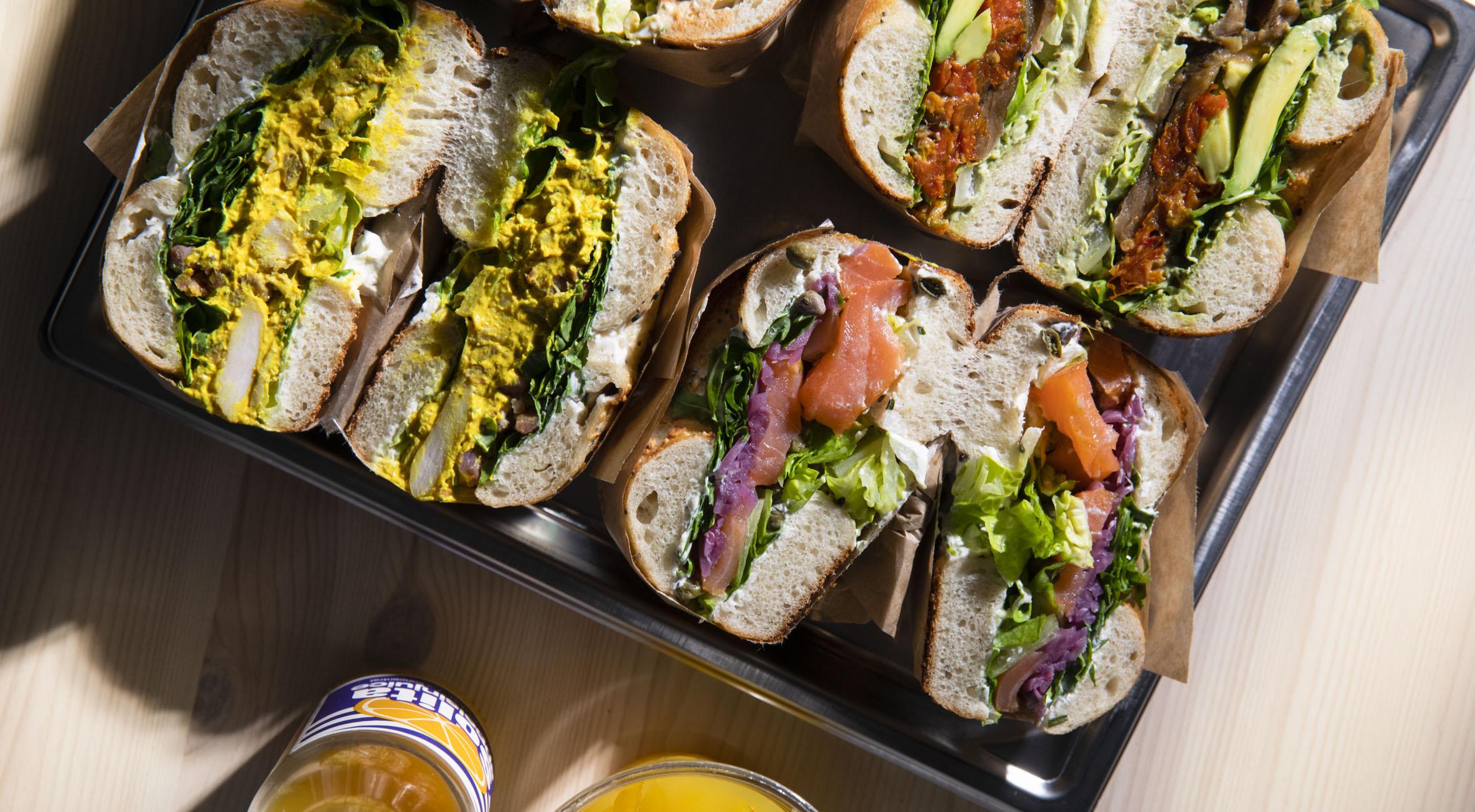 2 bagel sandwich + 2 drikke hos MADE på Nørrebro, Vesterbro og Østerbro – Hip bagel shop stormer frem i København