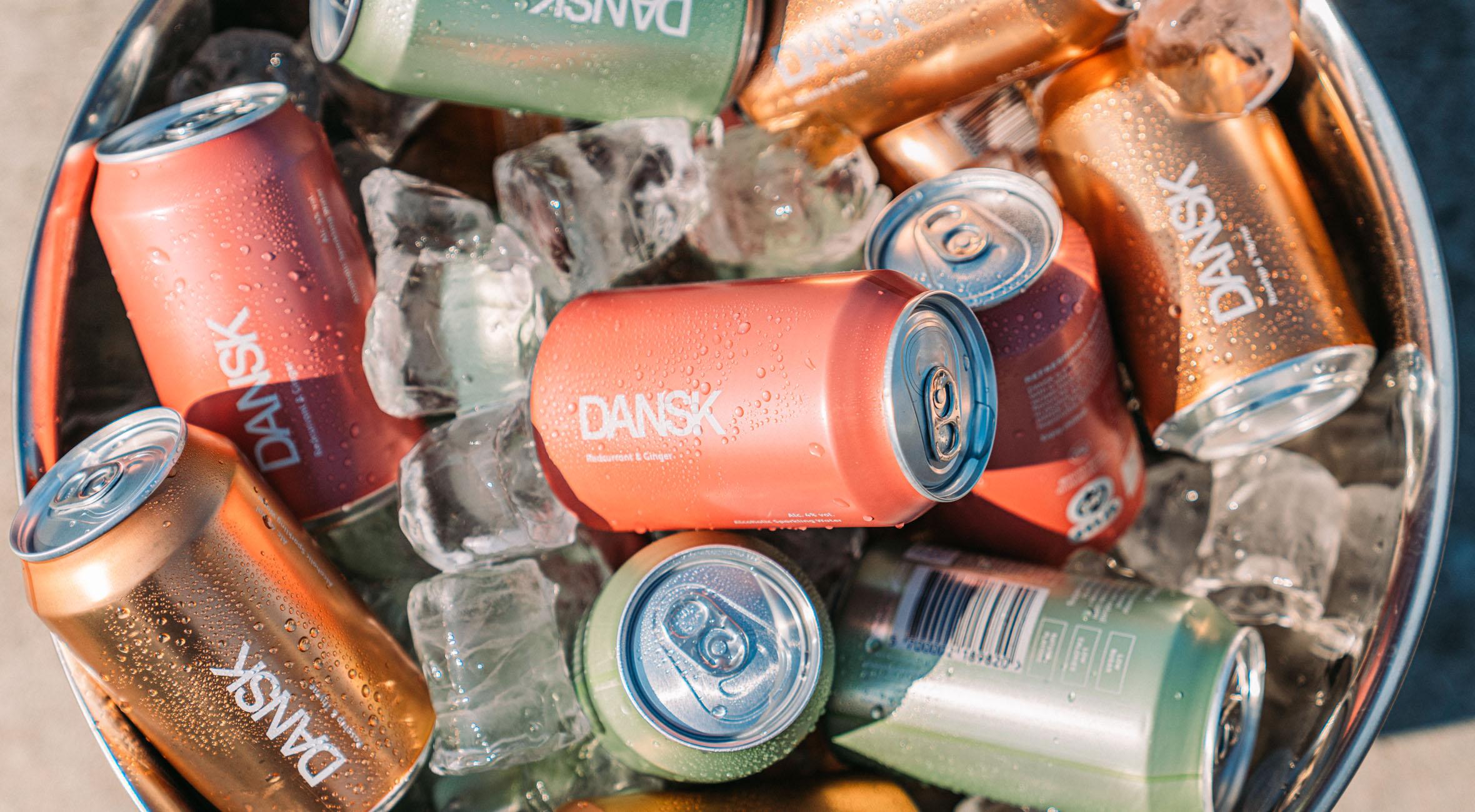 12 hard seltzers fra DANSK leveret gratis til din dør – Populær alkoholdrik fra USA er perfekt i sommervarmen