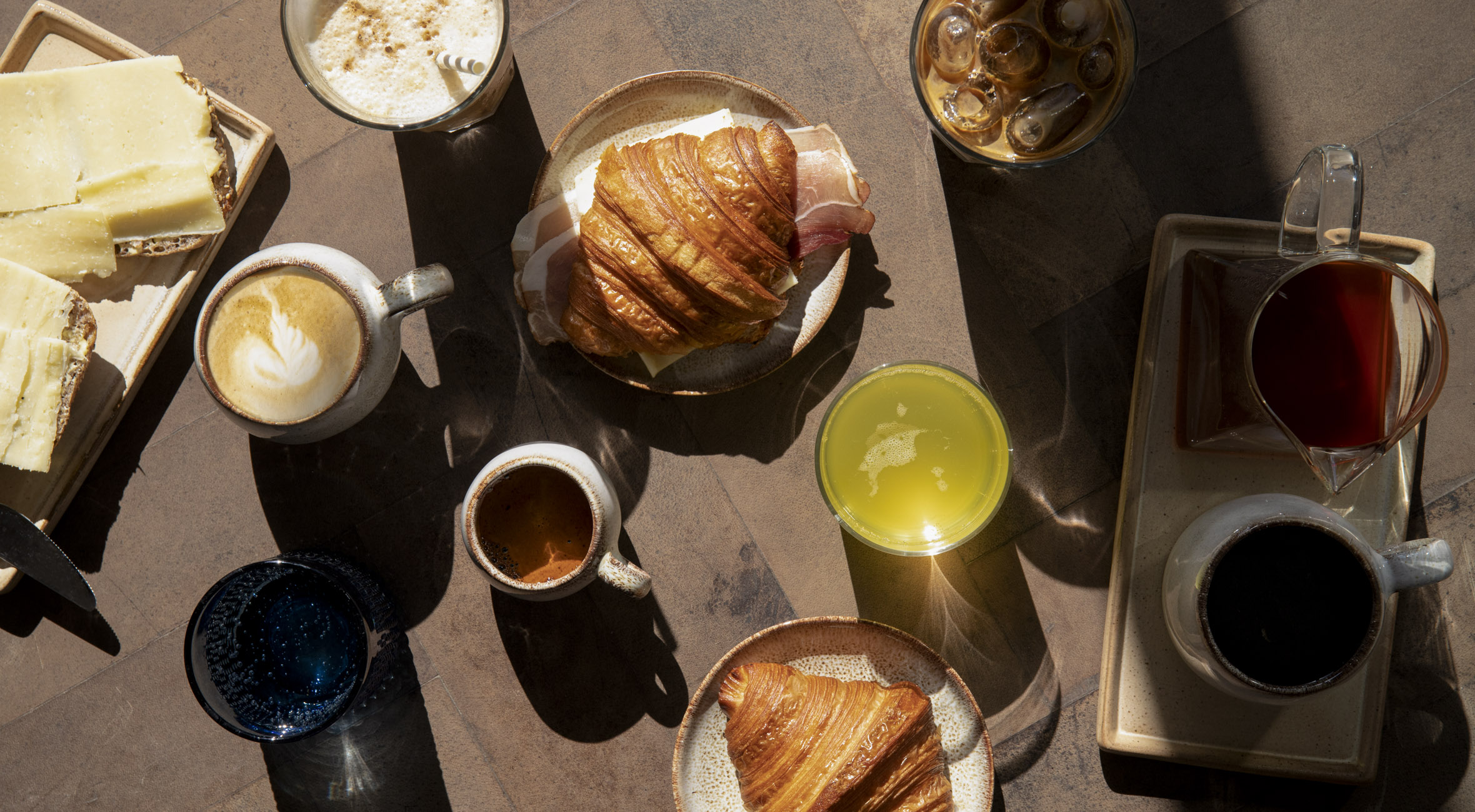 Frit valg til alt hos The Artisan – Kombineret kaffebar & risteri har slået dørene op ved Søerne! Nyd kaffe på solterrassen eller køb kaffebønner med hjem
