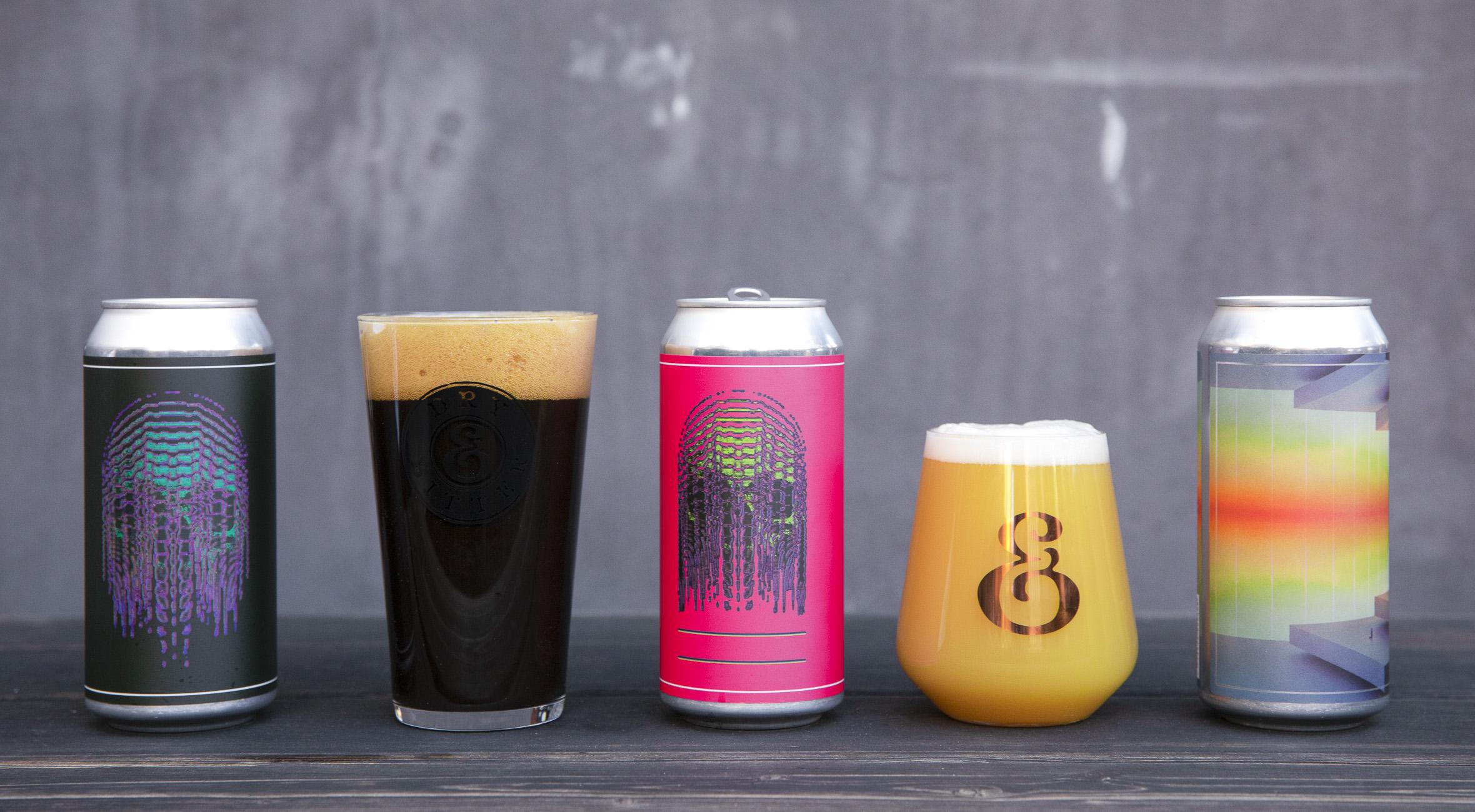Frit valg til alt i Dry & Bitter Brewing Company's webshop – Få øl i verdensklasse! Du får gratis levering til pakkeshop